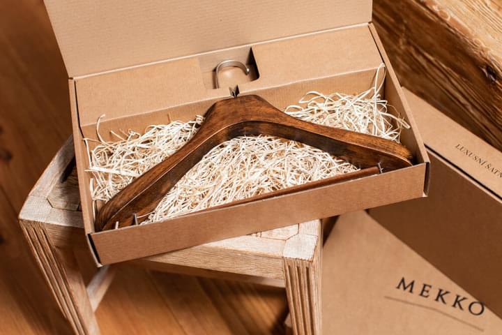 Un cadou în cutie de lux pentru soție