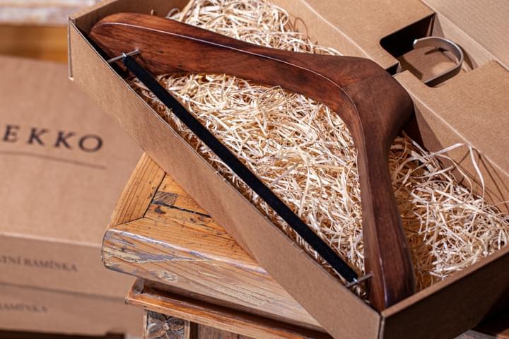 Suit Hanger in Gift Box